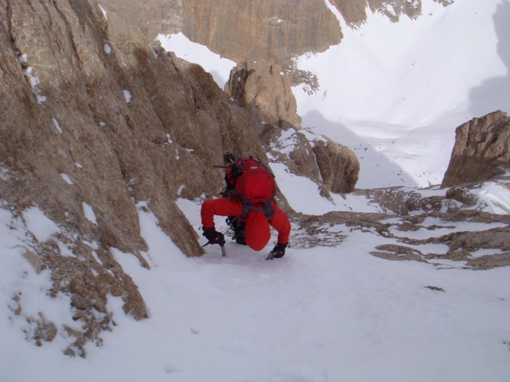 Hattın sonundan zirveye geçişteki kaya-kar etabı
