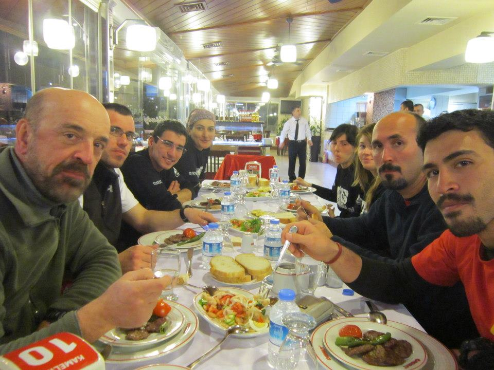 Şenliğin Sonunda YTÜDAK-YDK yemeğiyle bitiyor(foto: Fatih Balcı)