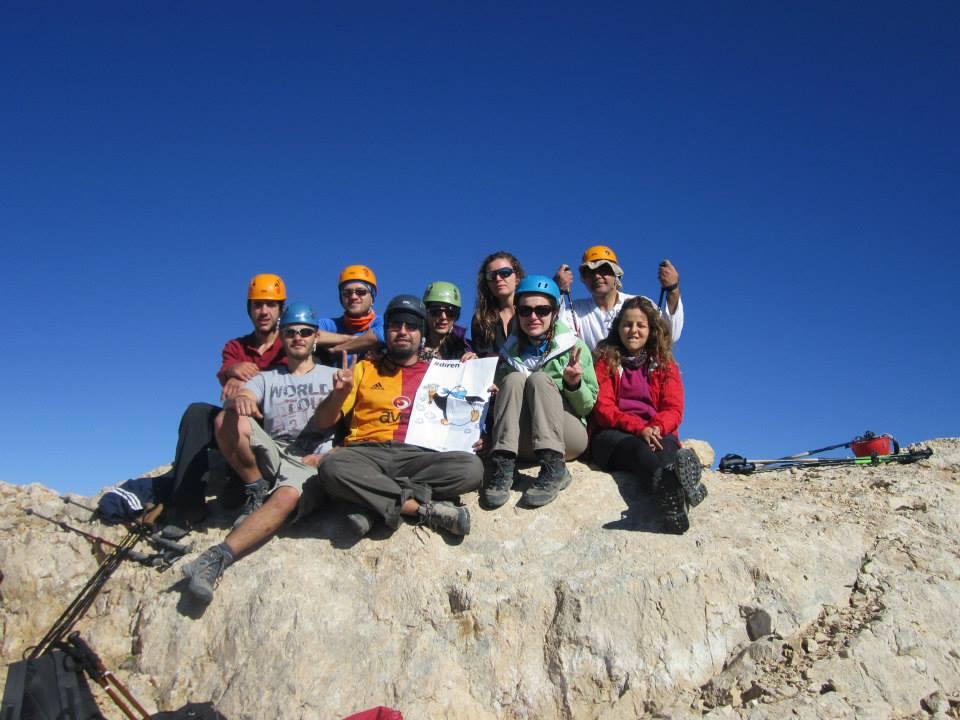 Karasay Zirvesi(3550m)'de Başlangıç Grubu
